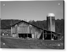 Old Farm Barn In Kentucky Acrylic Print