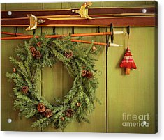 Old Pair Of Skis Hanging With Wreath  Acrylic Print by Sandra Cunningham