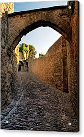 Acrylic Print featuring the photograph Pathway Through Gordes France by Dave Mills
