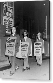 Pickets Protest In Front Of Baltimores Acrylic Print by Everett