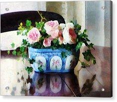 Pink Roses And Ivy Acrylic Print by Susan Savad