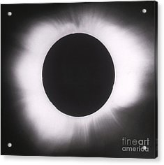 Solar Eclipse With Outer Corona Acrylic Print by Science Source