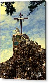 The Cross IIi In The Grotto In Iowa Acrylic Print by Susanne Van Hulst