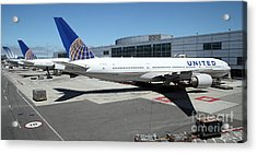 United Airlines Jet Airplane At San Francisco Sfo International Airport - 5d17112 Acrylic Print by Wingsdomain Art and Photography