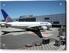 United Airlines Jet Airplane At San Francisco Sfo International Airport - 5d17114 Acrylic Print by Wingsdomain Art and Photography