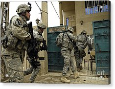 U.s. And Iraqi Army Soldiers Rushing Acrylic Print by Stocktrek Images