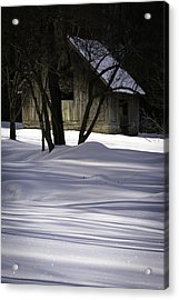 Winter Barn Acrylic Print by Rob Travis