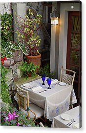Table For Two Acrylic Print by Gordon Beck