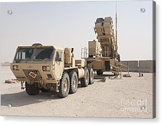 U.s. Army Soldiers Power-up A Mim-104 Acrylic Print by Stocktrek Images
