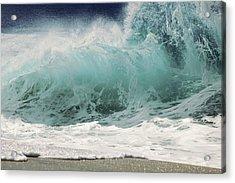 North Shore Wave Acrylic Print by Vince Cavataio - Printscapes