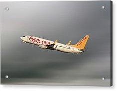 Pegasus Airlines Boeing 737-82r Acrylic Print