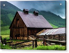 Acrylic Print featuring the photograph A Barn In Crested Butte by John De Bord