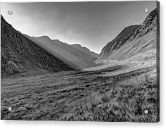 Acrylic Print featuring the photograph Afternoon Sun Rays Bealach Na Ba Black And White by Gary Eason