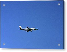 Acrylic Print featuring the photograph Air Force One In Flight by Duncan Pearson