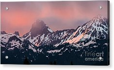 American Border Peak And Mount Larrabee At Sunset Acrylic Print by Mike Reid