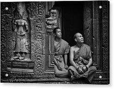 Angkok Wat Buddhist Monks Gather Acrylic Print by David Longstreath