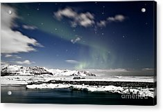 Aurora At Glacier Lagoon Acrylic Print by Roddy Atkinson