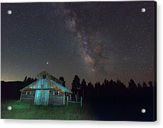 Acrylic Print featuring the photograph Barn In Rocky by Gary Lengyel