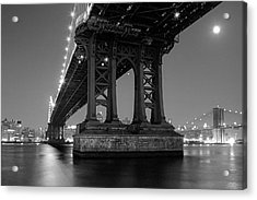 Black And White - Manhattan Bridge At Night Acrylic Print