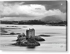 Castle Stalker - D002192bw Acrylic Print by Daniel Dempster