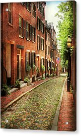 Acrylic Print featuring the photograph City - Boston Ma - Acorn Street by Mike Savad