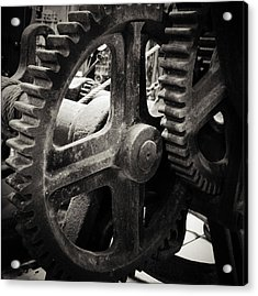 Cogs 2 Acrylic Print by Les Cunliffe