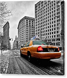 Colour Popped Nyc Cab In Front Of The Flat Iron Building  Acrylic Print by John Farnan