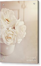 Acrylic Print featuring the photograph Cream Roses In Vase by Lyn Randle