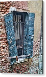 Acrylic Print featuring the photograph Crooked Shutter by Kim Wilson