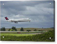 Delta Airlines Mcdonnell Douglas Aircraft N952dl Hartsfield-jackson Atlanta International Airport Acrylic Print