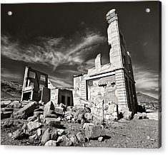 Early Withdrawal Acrylic Print by Mike McMurray