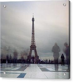 Eiffel Tower And Crowds Acrylic Print by Zeb Andrews
