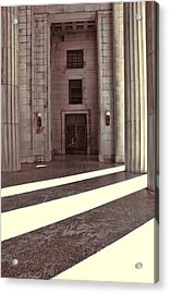 Entrance To War Memorial In Nashville Acrylic Print by Dan Sproul