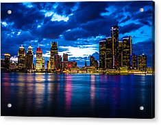 Evening On The Town Acrylic Print by Cindy Lindow