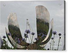 Acrylic Print featuring the photograph Floralis Generalis by Wilko Van de Kamp