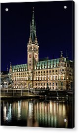 Acrylic Print featuring the photograph Hamburg Town Hall At Night by Marc Huebner