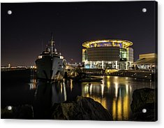 Acrylic Print featuring the photograph Jamaica Bay At Discovery World by Randy Scherkenbach