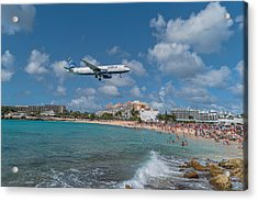 jetBlue at St. Maarten Acrylic Print by David Gleeson