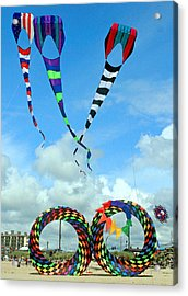 Kite Festival At Lincoln City Oregon Acrylic Print by Margaret Hood