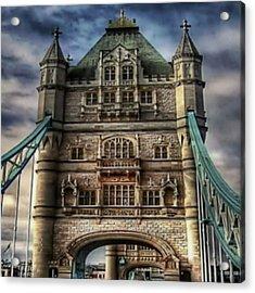 Acrylic Print featuring the photograph London Bridge by Digital Art Cafe