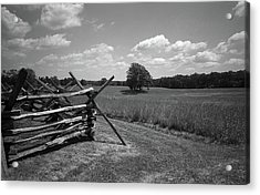 Acrylic Print featuring the photograph Manassas Battlefield Bw by Frank Romeo