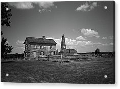 Acrylic Print featuring the photograph Manassas Battlefield Farmhouse 2 Bw by Frank Romeo