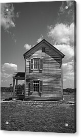 Acrylic Print featuring the photograph Manassas Civil War Battlefield Farmhouse Bw by Frank Romeo