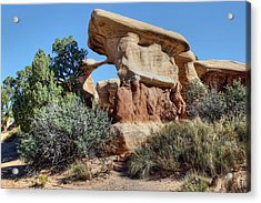 Acrylic Print featuring the photograph Metate Arch - Devils Garden by Nikolyn McDonald