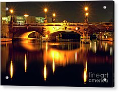 Acrylic Print featuring the photograph Nocturnal Sound Of Berlin by Silva Wischeropp