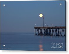 Moonset At The Ventura Pier Acrylic Print by John A Rodriguez