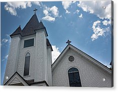 Acrylic Print featuring the photograph New England Church by Suzanne Gaff