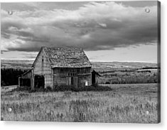Acrylic Print featuring the photograph Old Country Barn by Gary Smith