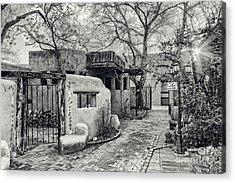 Old Town Albuquerque Secret Passageway In Black And White - Albuquerque New Mexico Acrylic Print