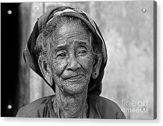 Acrylic Print featuring the photograph Old Vietnamese Woman by Silva Wischeropp